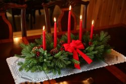 Worcester Christmas Wreath Classic 5-Candle Christmas Centerpiece