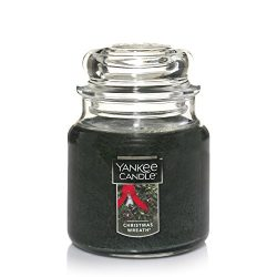 Yankee Candle Medium Jar Candle, Christmas Wreath