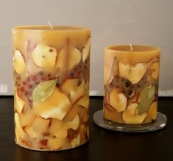 Rosy Rings Spicy Apple, 9-Inch Big Round Botanical Candle