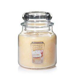 Yankee Candle Vanilla Cupcake Medium Jar Candle, Food & Spice Scent